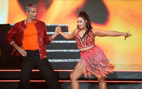 I AKSJON: Thomas Alsgaard og dansepartner Rikke Lund under lørdagens debut av årets «Skal vi danse»-sesong.