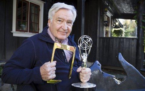 PRISVERDIG: Erik Hauan er tildelt Gullruten Hederspris og Emmy for sitt filmarbeid. Han har jobbet med film og fjernsyn i over 50 år, og har ikke tall på hvor mange reportasjer han har vært med på. OL-reportasjer og tur med Erik Bye er noen av høydepunktene.