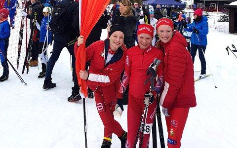 VINNERLAGET: Cecilia Louise Ennals, Maren Mjøen Grøndalen og Julia Skraastad Wold fra Drøbak-Frogn Idrettslag går i Jenter 11 og 12 års-klassen, og tok en overlegen seier i sesongavslutningen på stafett.
