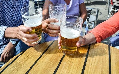 LAVERE PRIS: Dersom Høyres Kårstein Eidem Løvaas får det som han vil, kan det bli billigere å handle øl og vin i Norge i framtiden.