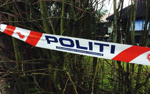 TAUSE: Politiet er svært tilbakeholdne med opplysninger rundt drapet på Bjørnstad for en uke siden. Det eneste de vil si om den foreløpige obduksjonsrapporten er at den 72 år gamle kvinnen døde av skuddskade.FOTO: GEIR BJØRNSTAD