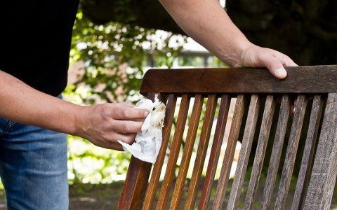 Vedlikehold er like viktig på tremøbler som på tre-terrasse.