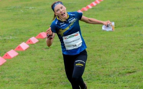 VANT IGJEN: Akkurat som på langdistansen onsdag, vant svenske Tove Alexandersson på Mørk. Denne gangen vant hun mellomdistansen.