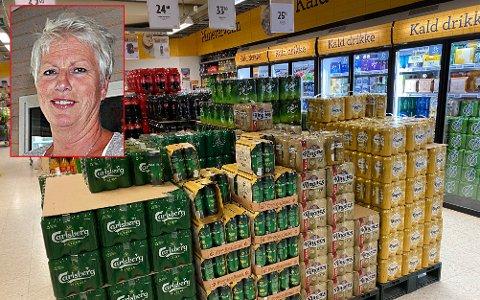 Janne Johansen (innfelt) sier det er første gangen kommunen deler ut prikker til salgs- og skjenkesteder for alkohol. Plasseringen av varene på bildet er for øvrig etter boka. ILLUSTRASJONSFOTO: Birgit Skogstad/ Arkiv