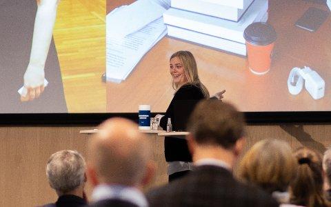 Olje- og energiminister Tina Bru (H) var første taler ut under Risavikadagen.