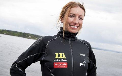 STJERNETREFF: Polske Justyna Kowalczyk, som nå går for Team Santander, skal lørdag gå åtte mil på rulleski fra Kragerø til Gautefall.