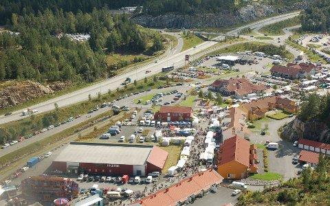 Et nytt Brokelandsheia: Handelsområdet ved Lønnebakke har blitt framstilt som et nytt Brokelandsheia (bildet).