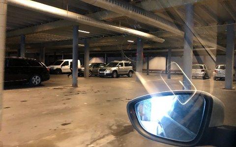 VALGETS KVAL: Hvor skal jeg parkere? Forsikringsmannen Sigmund Clementz har noen gode råd dersom du er redd for bulkeskader. Foto: Øyvind Winding-Stavseth