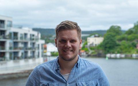 FORNØYD: Lars Tynning gleder seg over regjeringens skolevedtak.