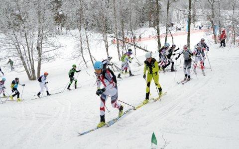 Med start nummer 1 var Olav Bakketun Tronvoll først allerede ut av stadion, og oppover liene og fjellet viste han konkurrentene bakskiene.