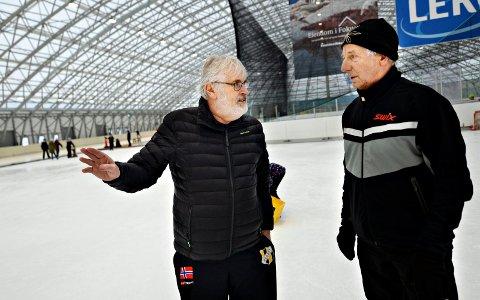 Tor Olsen og Anders Waagen i Arena Nordvest kan glede seg over stabile besøkstall i skøytehallen.