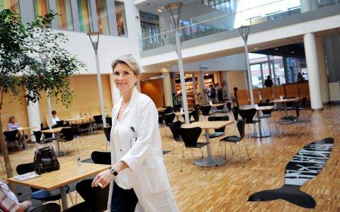 – Ikke spis deg overmett, og vær i aktivitet, råder forsker og klinisk ernæringsfysiolog ved Senter for sykelig overvekt i Helse Sør-Øst ved Sykehuset i Vestfold, Line Kristin Johnson.