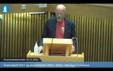 FIKK IKKE FLERTALL: Gruppeleder i Arbeiderpartiet, Stein Erik Aalberg, fikk ikke støtte for å bruke mer penger på oppvekst, blant annet på grunn av at Senterpartiets Bjørn Arild Gram mente inndekningen for forslaget ikke var realistisk.
