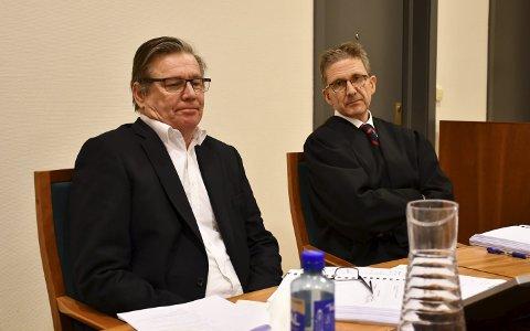 Morten Harr (tv) og hans advokat Niels Richard Kiær vant en knusende seier mot Fremtind Forsikring i Aust-Agder tingrett. I april kommer ankesaken opp i lagmannsretten.