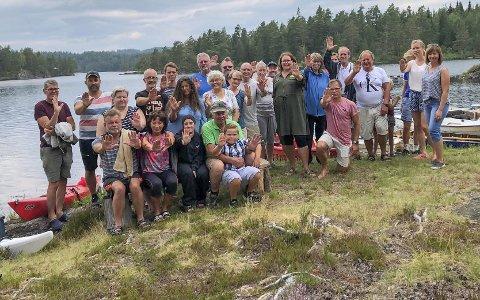 Eksjø: Rekreasjonsidyll for hytteeiere, turister og lokale. Nå trues idyllen av en firefelts motyorvei midt i glaninga. Foto: Olav Loftesnes