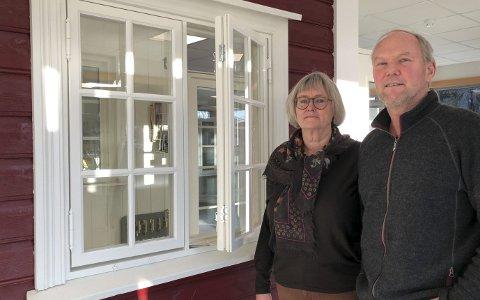 Ekteparet og forretningspartnerne Ellen Futtrup og Asbjørn Solfjeld forteller at bedriften deres, Solfjeld AS, er på riktig kurs etter nedbemanningen i fjor.