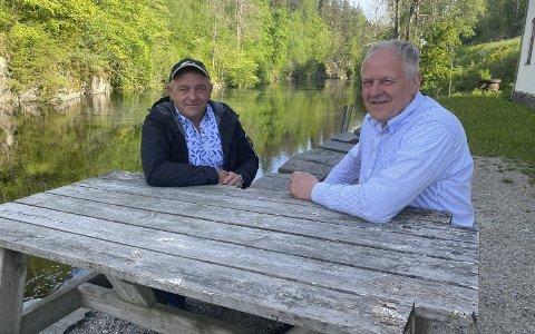 Har ventet lenge: Werner Grov og Erling Lilleholt i Storelva Elveeierlag er glade for at det nå ser ut til å gå mot en løsning for fisk som skal opp Hammerdammen. Foto: Olav Loftesnes