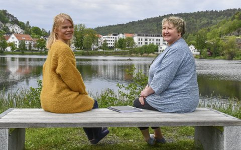 LIndrende Team: Gro Annette Marcussen (tv) og NIna Hegland Songe har fokus på å gjøre livet bedre for pasient og pårørende i livets siste fase. Foto: Olav Loftesnes