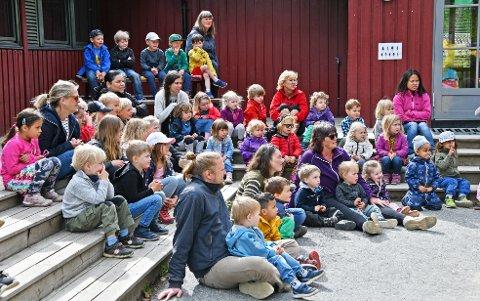 Kongleveien barnehage er et godt sted å være for store og små til både hverdag og fest.