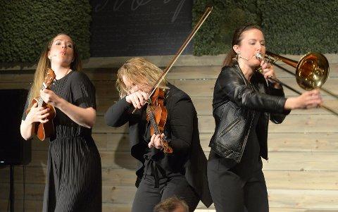 Tre av fire dyrebare: Ingrid Eggen, Anne Goro Tronsmo Haugland og Marit Eggen.