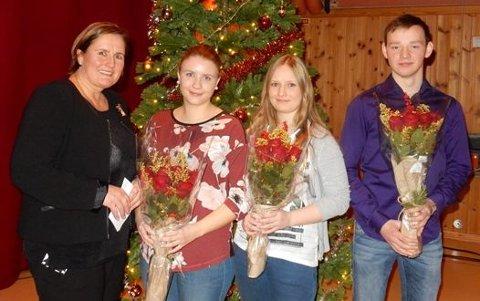F.v. administrasjonssjef Lisbeth Bernhardsen, Henriette Moen, Marte Jensen og Alexander Olsen. Ina Simone Timonen fikk også fagbrev i 2017, men hadde ikke anledning til å være til stede på arrangementet.