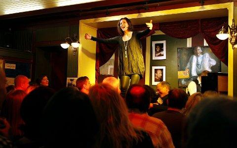 Fulle hus: Det pleier å være fullt på Operapub. Som her i 2011 med Hildegunn Pettersen. Nå skal Operapuben feire seg selv hele uka.