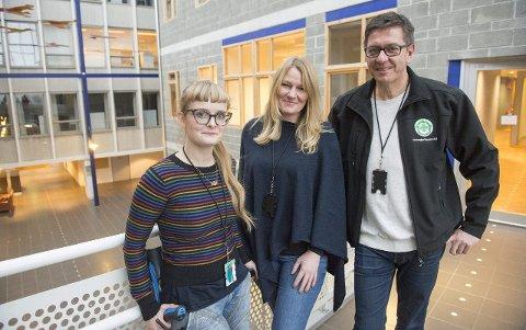 Silje O. Heltne (f.v.), Linda V. Nilsen og Jorge Dahl har alt på plass på Landås, og melder om stor dugnadsånd.