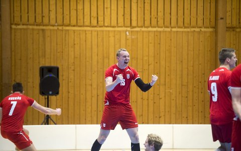 Ask Helland-Hansen ordnet 20 poeng, ble kåret til finalens beste spiller og slo inn det kampavgjørende poenget.