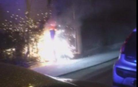 Et elektrisk skap tok fyr i Rogagaten i Solheimsviken fredag kveld.
