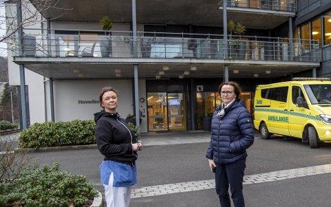 Leder Magny Nordtveit og fagleder Marian Skjellanger ved Fyllingsdalen sykehjem har mottatt pasienter fra andre sykehjem til spesialavdelingen for koronasmittede. Til tross for pandemien var det ikke flere som døde på sykehjem i fjor.
