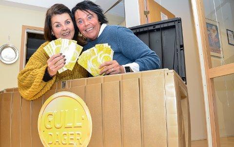 40.000 KRONER: Nina Sandsbråten og og Merete Risan vil mandag ettermiddag trekke ut premier for 40.000 kroner til vinnerne av årets Gull-dager.