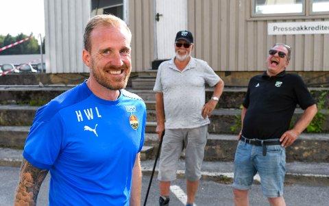 Hønefoss - Strømsgodset. 0-2. Hønefoss Gress. Håkon Wibe-Lund møter gamle kjente i Hønefoss etter kampen.