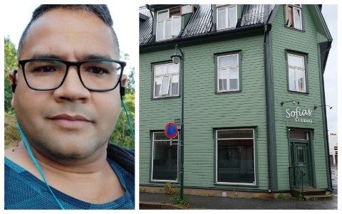 VENTER: Ravinder Singh Rauthan venter på å åpne dørene til restauranten i Hønefoss.