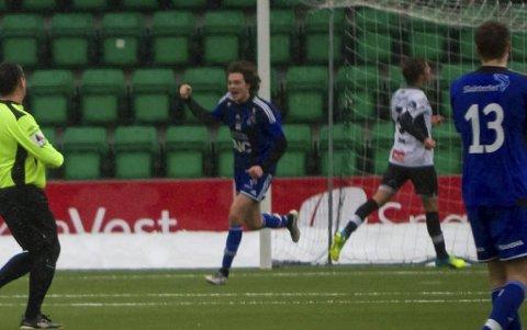 MÅLMANN: Oddne Årdal (21) scorar 0–1 målet på ei kontring. Jølstringen har scora i kvar treningskamp i vinter.