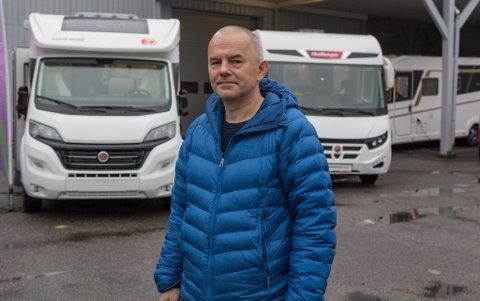 EIGAR: Grzegorz Jan Zablotny starta selskapet Fjordane Caravan i desember 2014. Seks år seinare er omsetninga tolv gonger så høg.