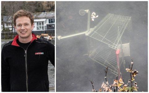 SKAL HENTE DEI: Kristian Årdal i Spar Førde skal hente handelvognane deira som ligg i kanalen langs gangevegen bak Alti.