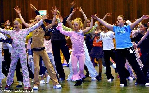 Sesongavslutning for Kari & Jørns Danseloft i Kongstenhallen: Freestyle dans.  Foto: Trond Thorvaldsen, 29.04.2006