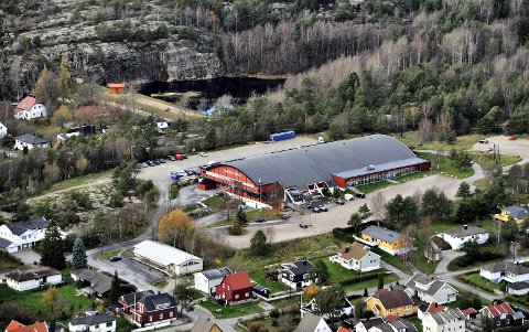 Store inntektsmuligheter: Når Arena Fredrikstad står ferdig, skal Stjernehallen rives. Her skal det bygges en rekke boliger. Eiendomsselskapet kan bidra til å få maksimalt ut av området. (Arkivfoto: Jarl M. Andersen)
