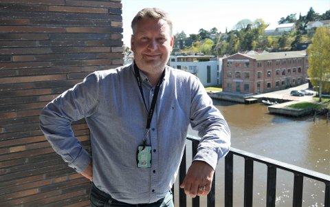 Må gjøre nye grunnundersøkelser: Prosjektsjef Adler Enoksen i Bane NOR. (Foto: Øivind Lågbu)
