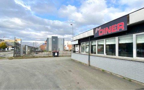 ØRAVEIEN: Nå er det bestemt at Fasvo tar over driften på Øra Diner det neste året. Menyen forblir den samme, men med noen nye innslag.