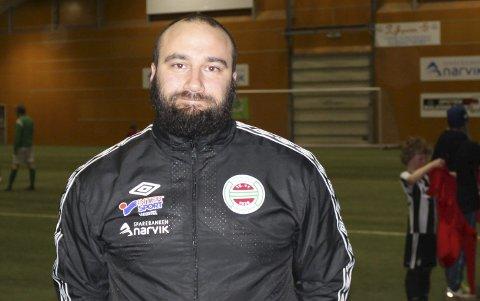 GJØR DET BRA: Hardhaus-trener Erol Mercanoglu. Arkivfoto.