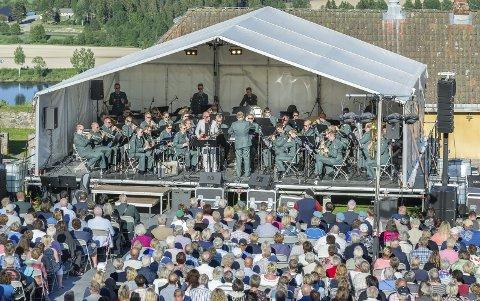 Veterankonserten: 1. juni inntar Heimevernets eget musikkorps festningen igjen, med flere lokale og landskjente artister. Konserten er gratis og åpen for alle. Her fra konserten et par år tilbake.