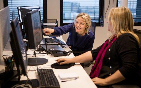 Nyhetsredaktør Anne Marie Løkken og redaksjonssjef Kjersti Haugtrø leser av statistikk for GD. Her ser vi hva GDs lesere leser.