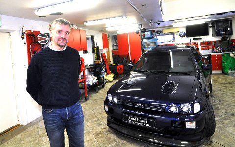 Roar Berntsen på Vingrom pusser opp en Ford Escort RS Coswoerth #10