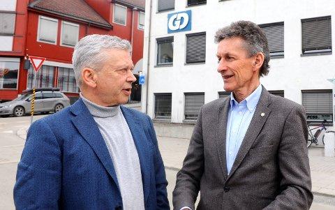 SKIFTE: Kristian Skullerud (t.v), ansvarlig redaktør i GD, og Thor Svegården, styreleder i GD AS. Skulleruds etterfølger må være under 50 år, sier Svegården. Innsenderen mener dette vil være aldersdiskriminering.