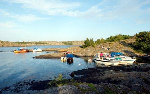 Har du båt kan den ta deg til steder som Spermbanken, Kjærringrævgrunnen og Fisebukta, hvis det skulle friste. På Tjøme finnes også Faenshølet og på Hvaler Fredagshølet. Illustrasjonsfoto: Lise Åserud / NTB scanpix.