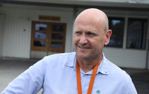 FRA SKJOLD TIL HAUGESUND: Ronny Valdersnes bor i Haugesund og jobber i Vindafjord. Nå vil han ha jobb i hjemkommunen.