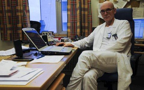 KONFLIKT: Foretakstillitsvalgt for legene ved Finnmarkssykehuset, Overlege Arnt Johannessen, er bekymret for situasjonen.