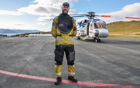 PILOT: Thijs Kroondijk er pilot på Bristows tilbringerhelikopter.