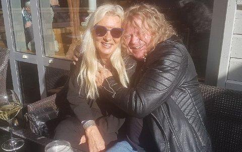 FORELSKET: - Det er så ubeskrivelig fantastisk, sier Puskas sammen med kjæresten May-Britt Heitmann.